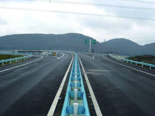 [贵州]普安高速公路建设总工程量已完成99%