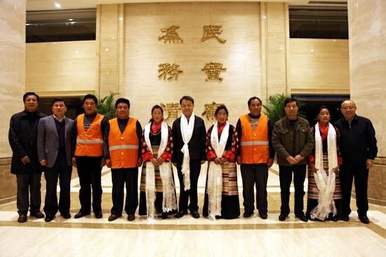 甘肃:陇南高速公路管理 用微笑点亮窗口 山东高速威海分公司烟台 美丽